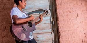 Desde Atacama conoce el álbum homónimo de Victormanuel.